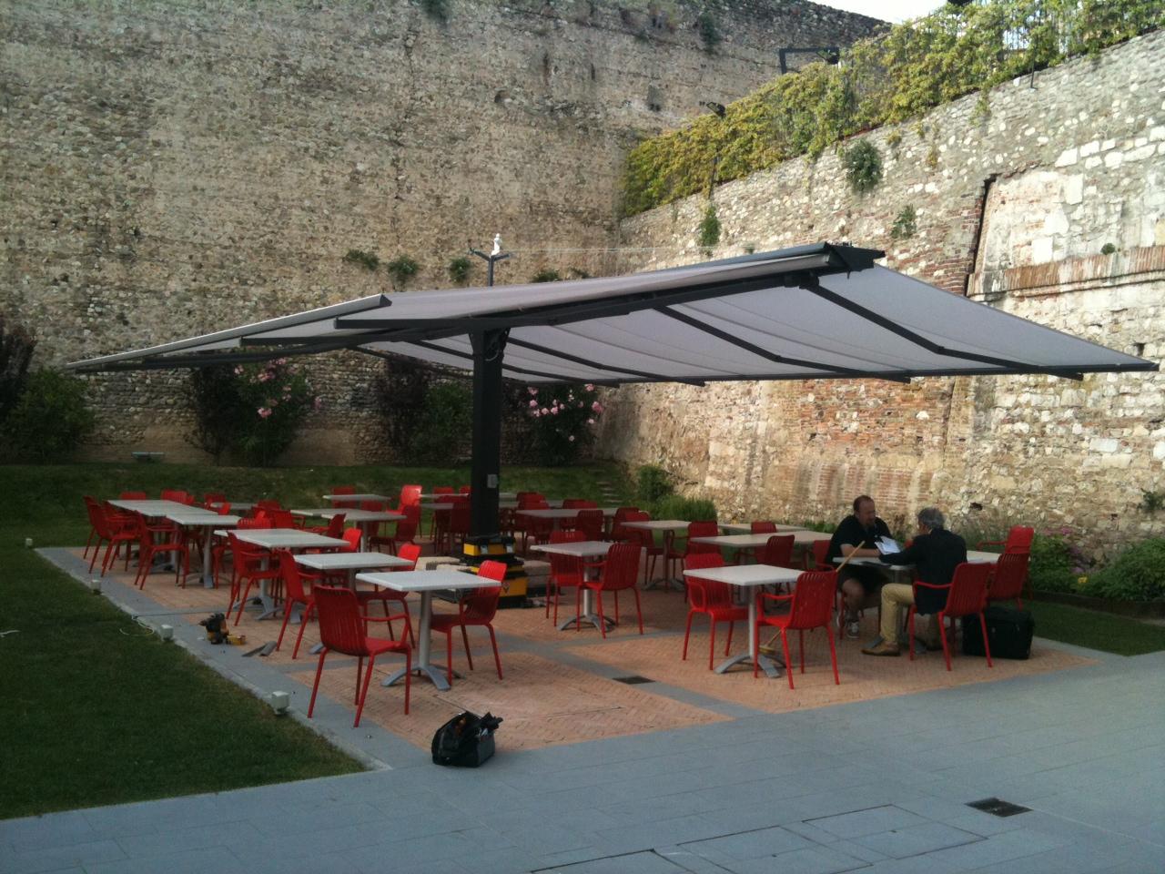 Installazioni giardini veneti s r l - Giardini veneti ombrelloni ...